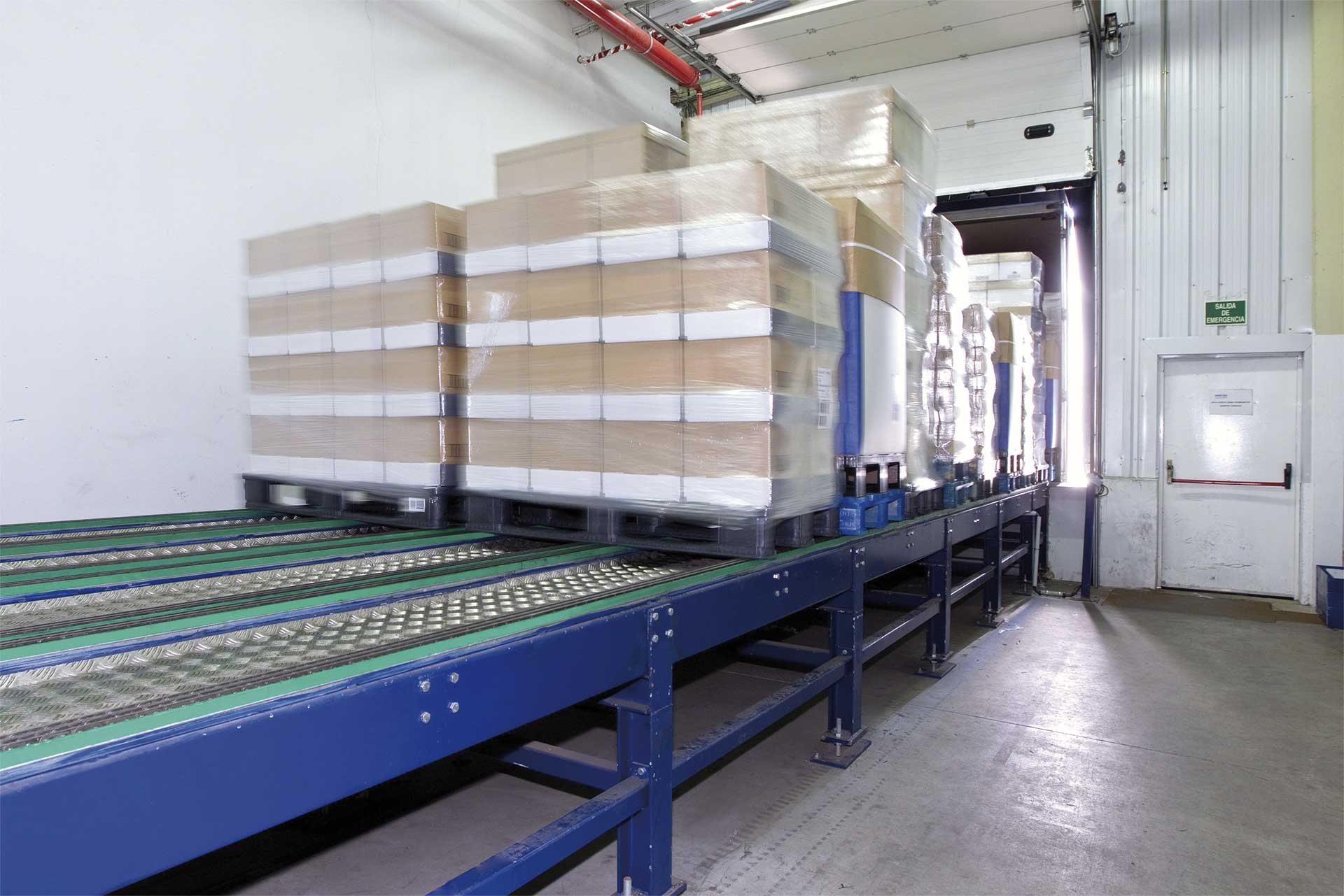 Automatic truck loading and unloading systems bring agility and safety to the warehouse docking area