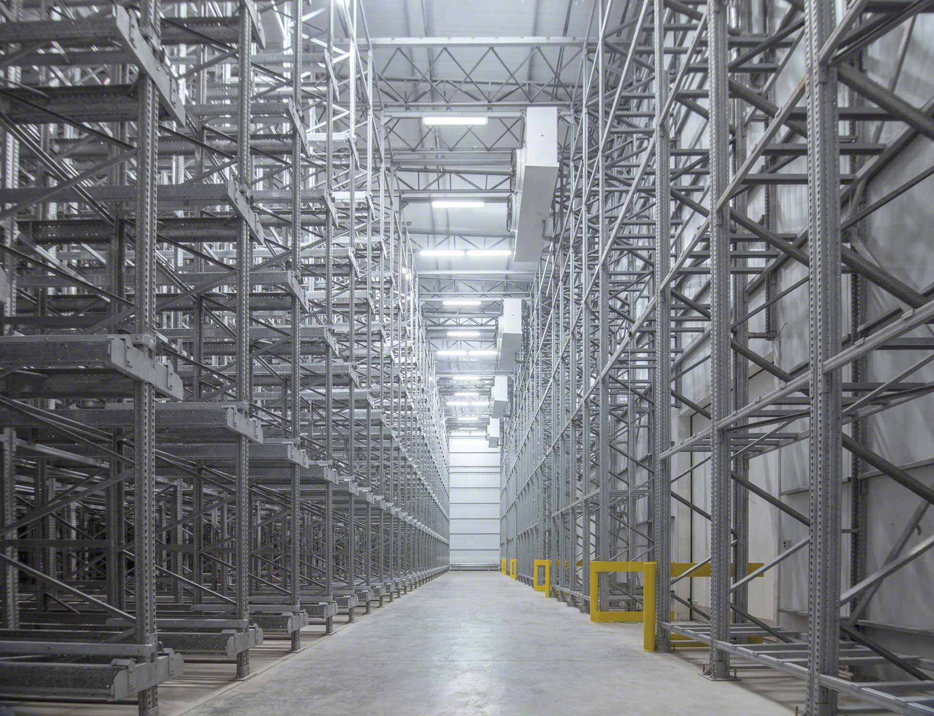 A cold storage warehouse is a logistics installation that uses cold to preserve goods