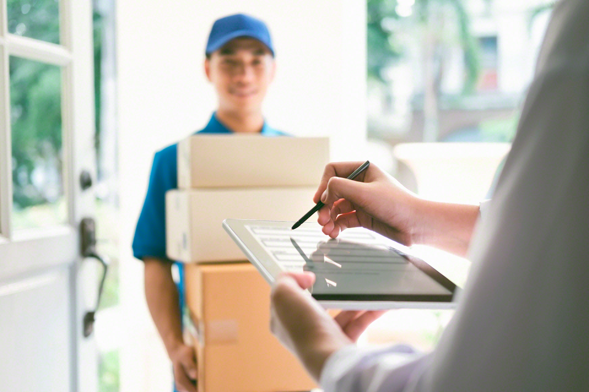 Electronic proof of delivery ensures that orders are delivered successfully