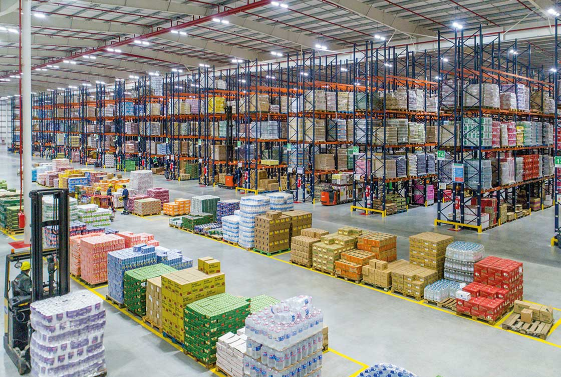 Unitization takes place in a warehouse's goods receipt and dispatch processes