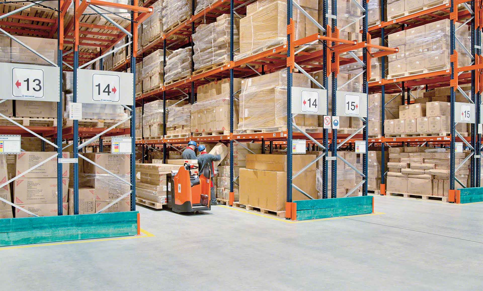 Warehouse operators checking the location of a pallet