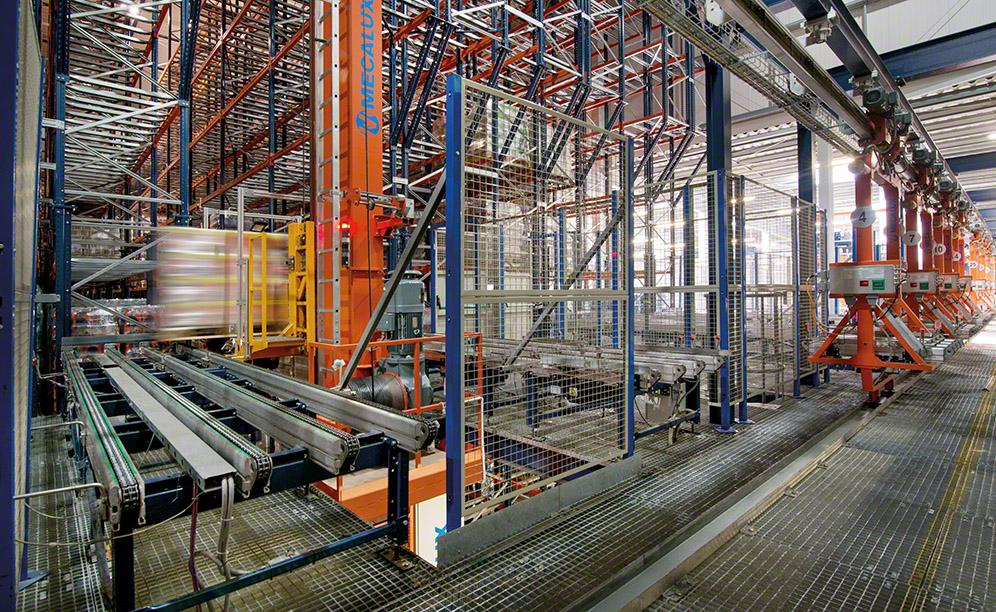 The automated warehouse of Sokpol with storage capacity for 28,400 pallets