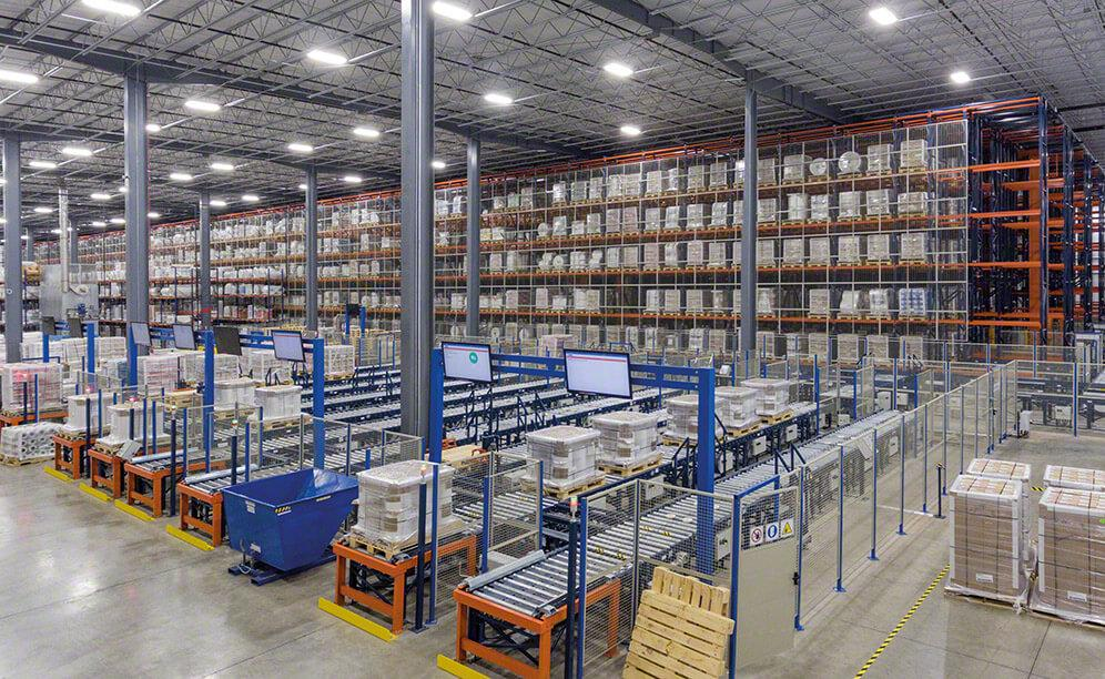 The automated warehouse that Interlake Mecalux designed has six working aisles