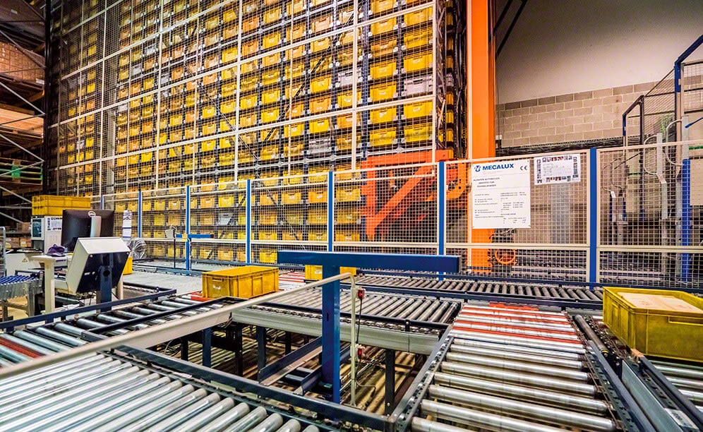 Mecalux has equipped the JCH warehouse in Barcelona with an automated miniload warehouse that offers a storage capacity of 4,076 boxes