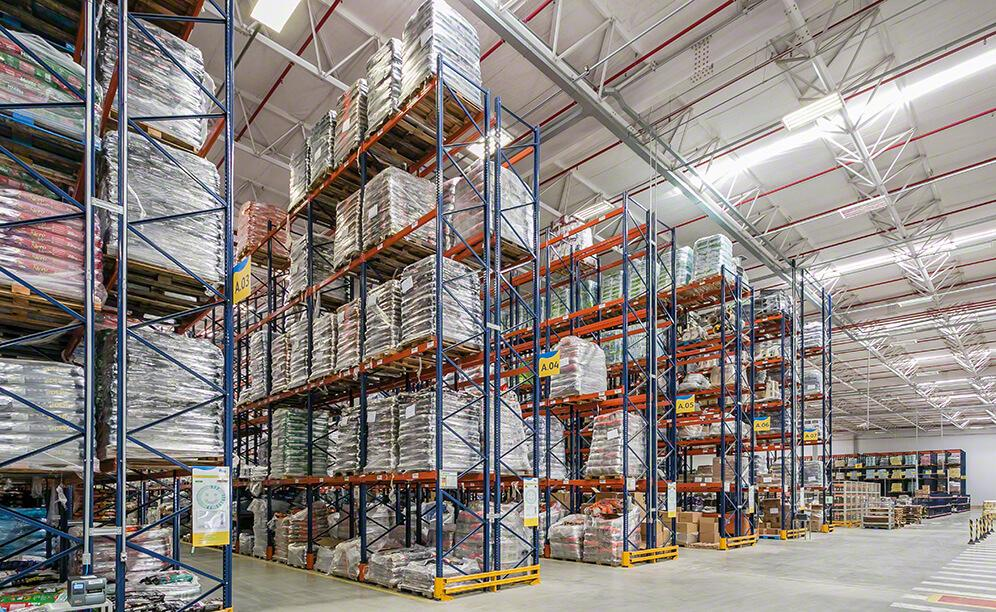With a height of 31', the selective pallet racks in this area can store 3,808 pallets of 39