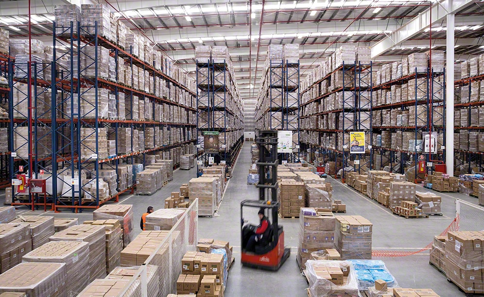 In a 2.97 acre surface area, Unilever can store 15,055 pallets