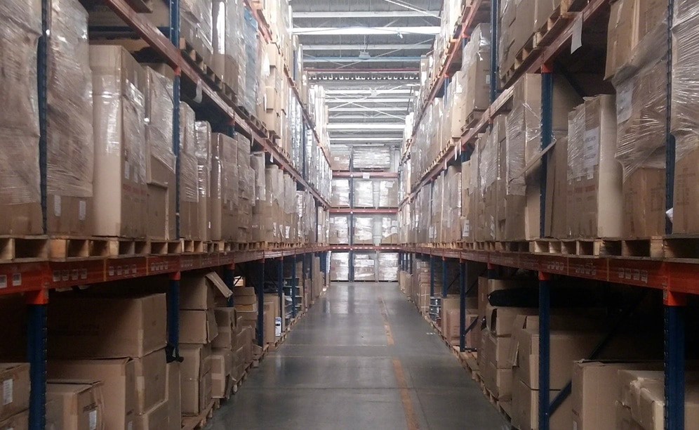 The warehouse of a musical instruments shop with Easy WMS of Interlake Mecalux