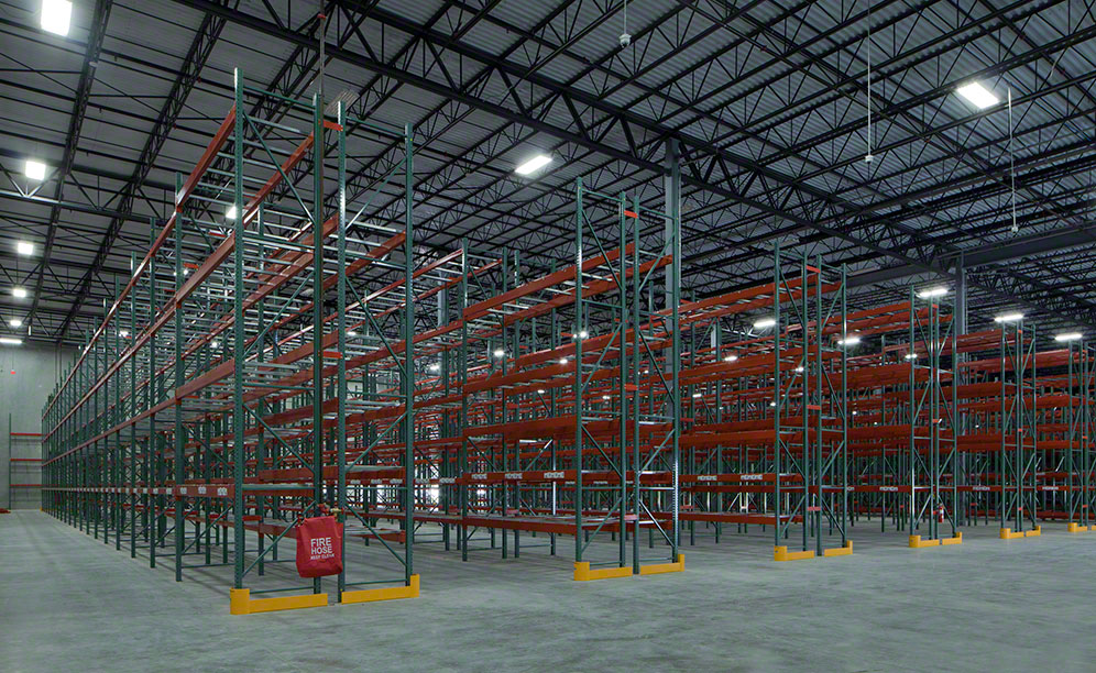 There are four beam levels at two pallets per level and 10 aisles that are 10 ft each