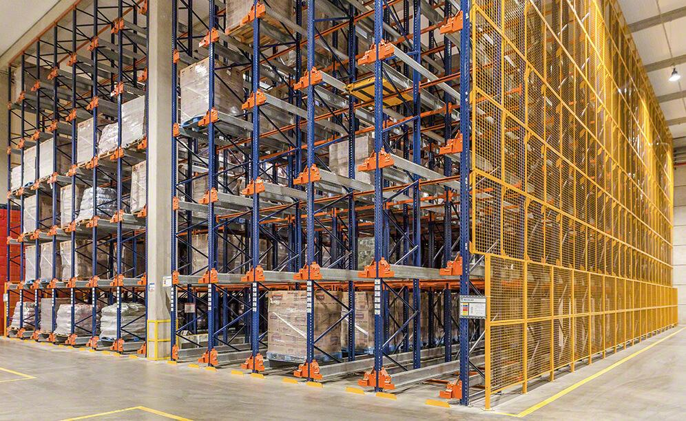 Pallet shuttle system gives capacity and agility to Selmi