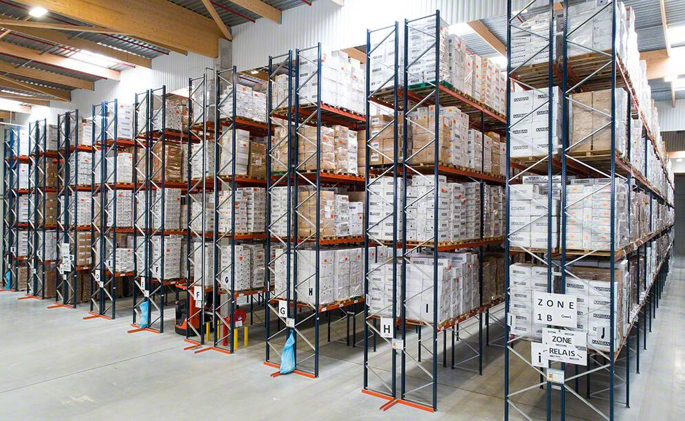The shelves are completely adapted to the needs of TopTex