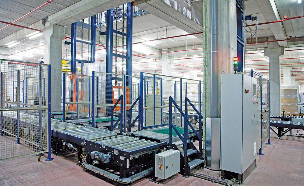 Six pallet lifts link the different heights of the warehouses