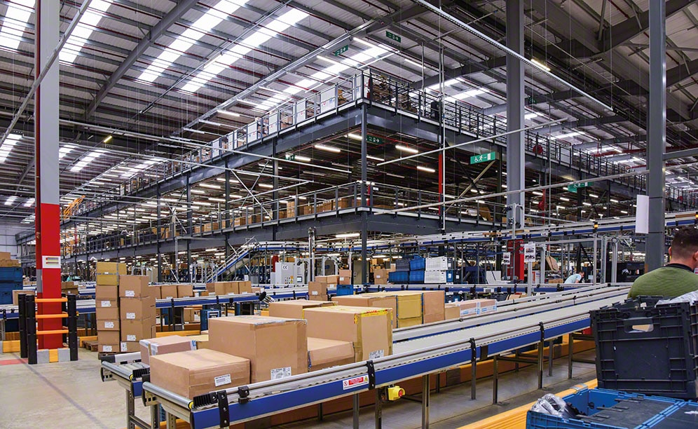 Decathlon omnichannel warehouse in Northampton (United Kingdom)