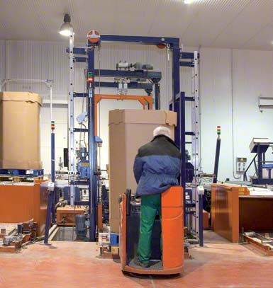 Checkpoint entrance in an automated warehouse.