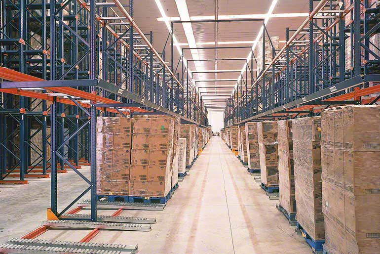 Warehouse installed for a company in the distribution sector.