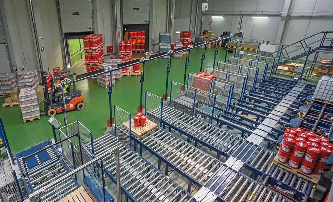 Automatic systems facilitate the loading and unloading of goods, a fundamental issue for a just-in-time system.