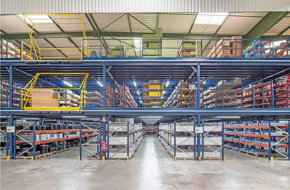 Panoramic view of PAVI-Groupauto's three storage floors