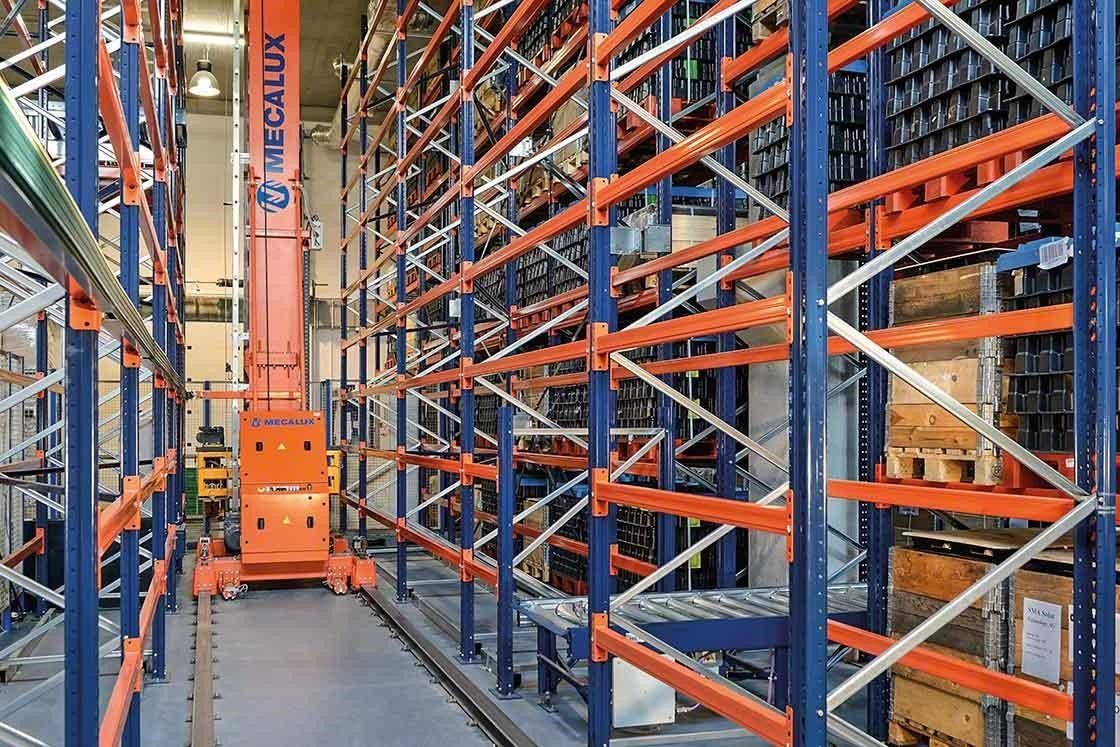 Stacker cranes reduce movements in the warehouse, which entails better productivity