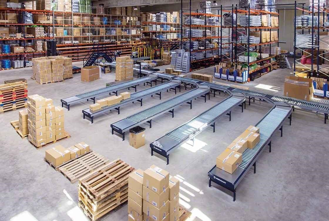 Conveyor circuits reduce trips around an e-commerce warehouse