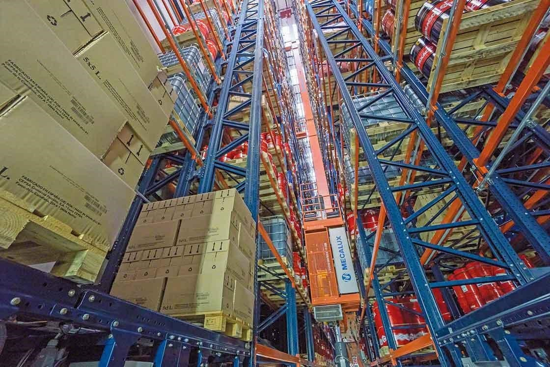 """A stacker crane automatically handles pallets in a robotized or """"automated"""" warehouse"""