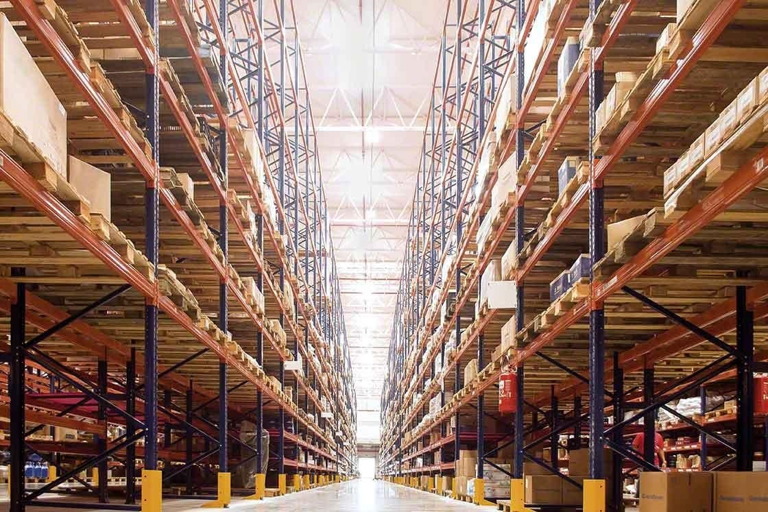 The WMS helps keep an exhaustive control over your inventory in real time.