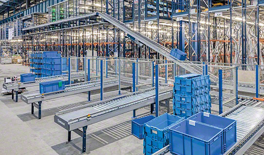 Roller Conveyors for Boxes, Totes and Bins