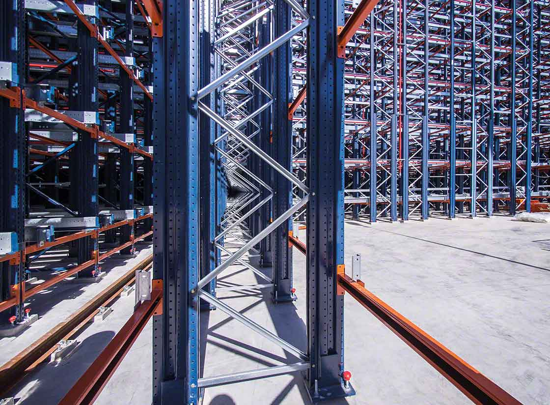 It's important to know which type of coating works best for outdoor warehouses