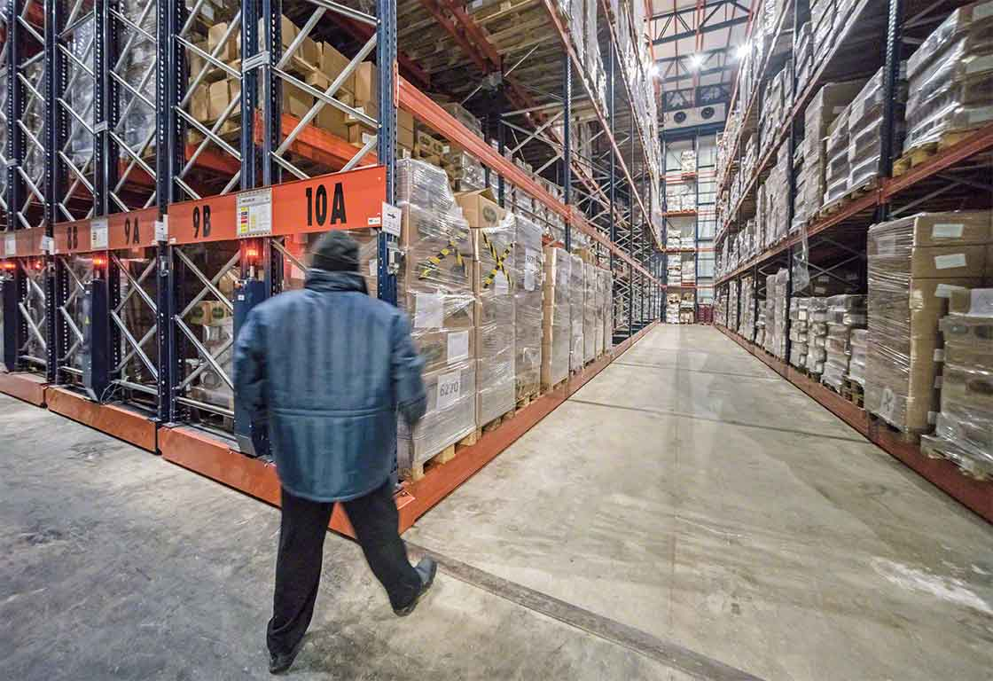 Mobile racks are widely used in installations dedicated to cold chain logistics