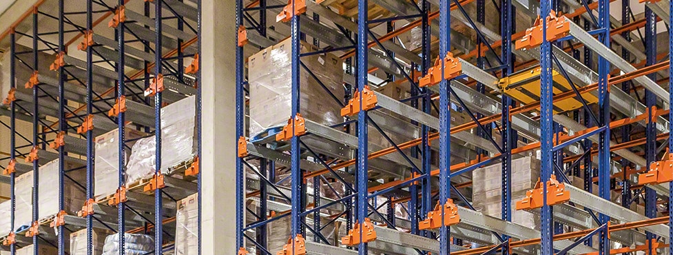 Compact storage systems at Selmi's new warehouse in Brazil