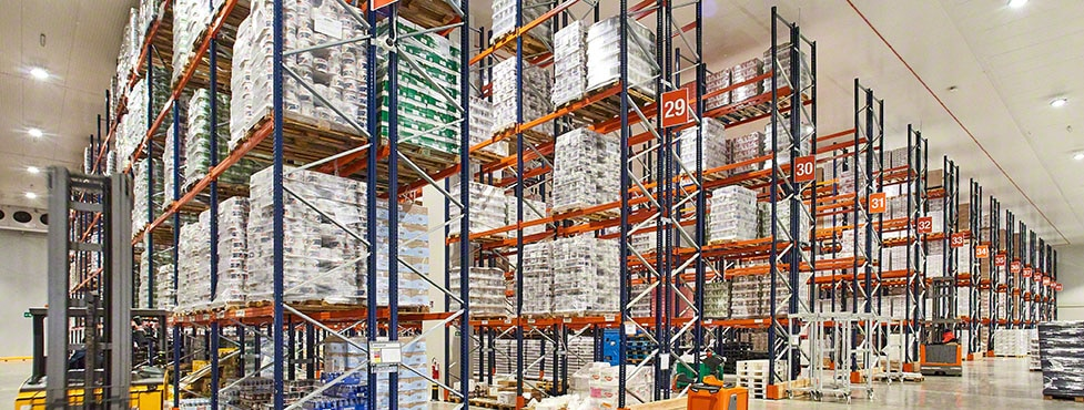 Pallet and push-back racks at the Brivio & Viganò warehouse in Italy