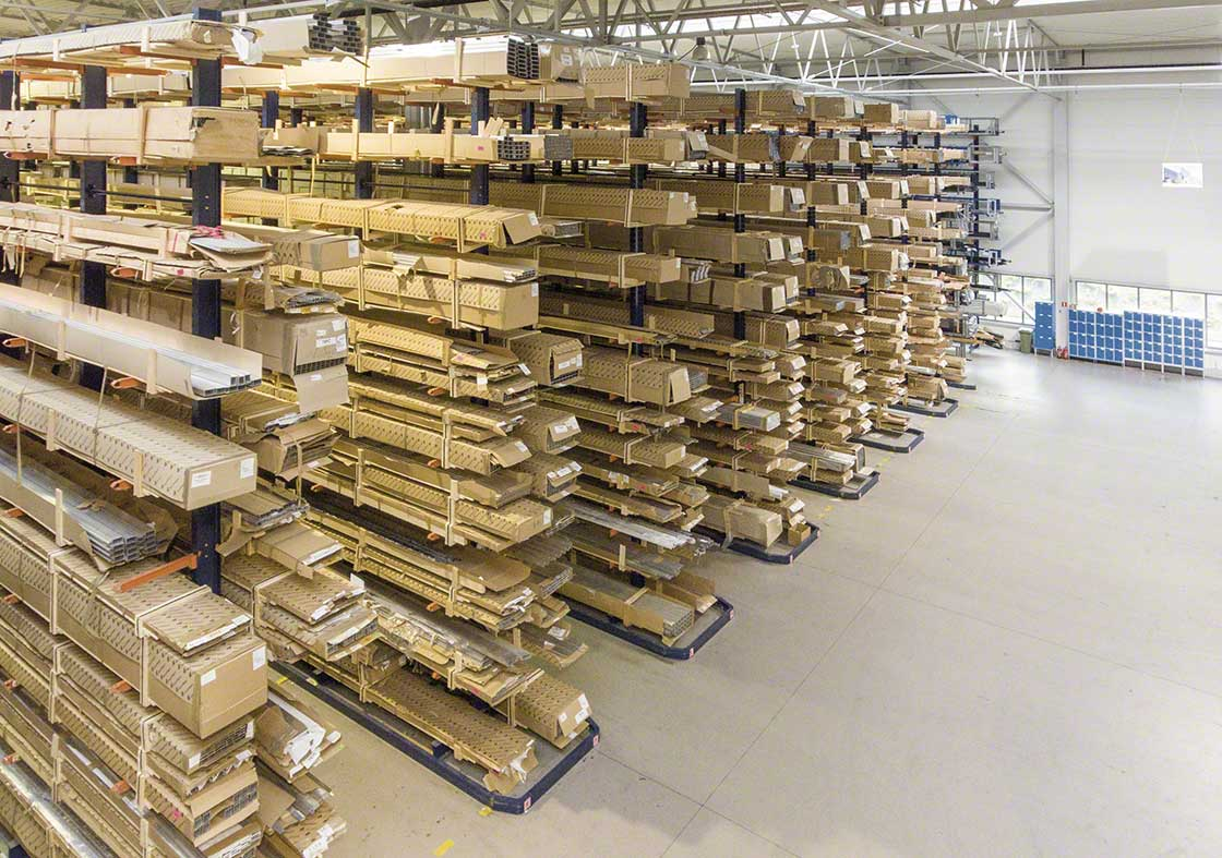 Warehouses dedicated to manufacturing logistics may have supplies with special characteristics