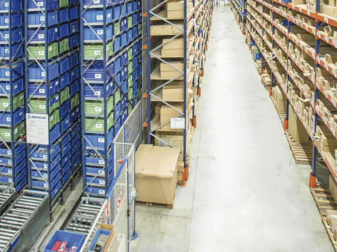 The AS/RS for boxes speeds up micro-fulfillment center operations