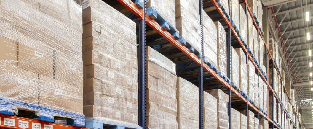 Pallet racks in Easy Logistique's warehouse for furniture