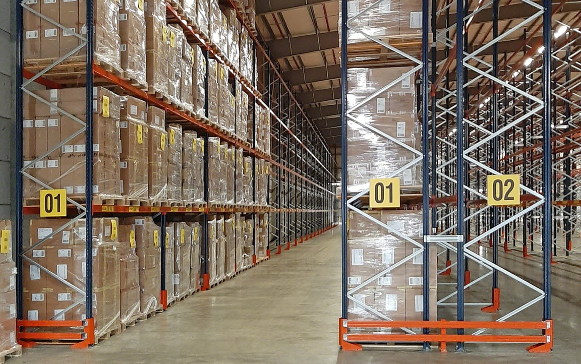Eddie Stobart warehouse with aisles measuring up to 387' long