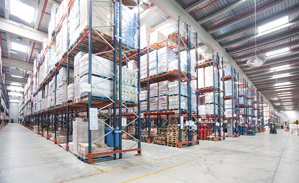 Carreras Grupo Logístico has renovated its warehouse with pallet racking, providing a storage capacity of 47,000 pallets