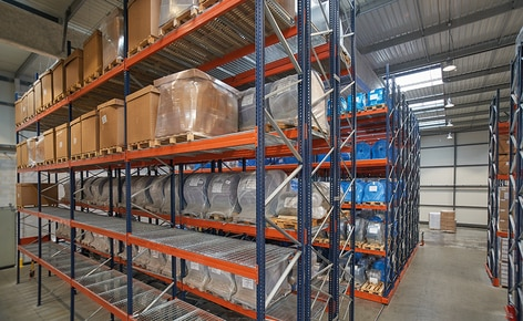 Pallet racking and racks on mobile bases store raw materials and finished products for a leading plastic packing manufacturer