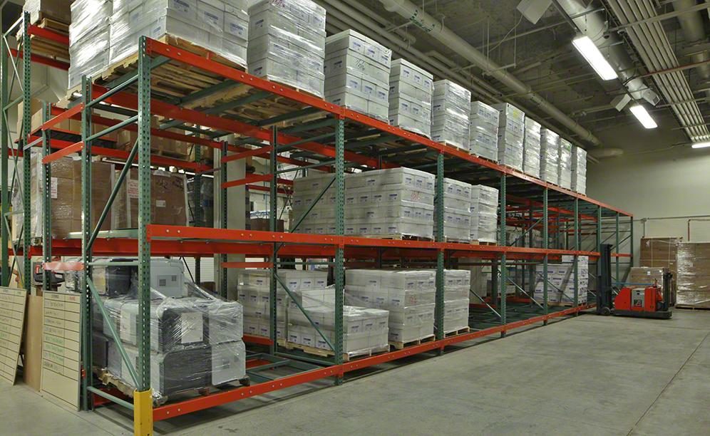 The Interlake Mecalux Push-Back system minimizes the number of aisles needed to access product