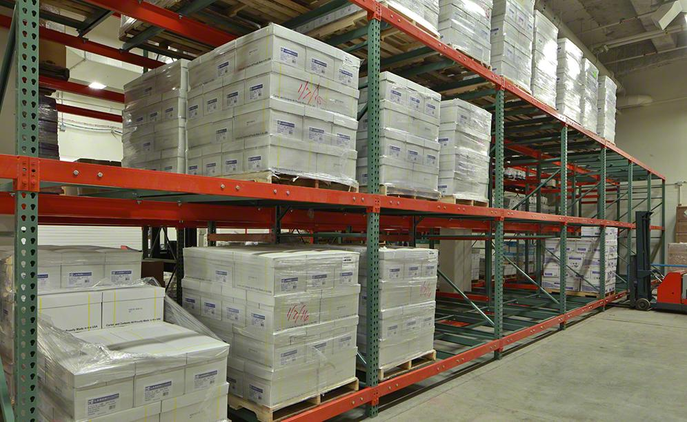 Each standard Push-Back cart carries a load of up to 3,000 lbs.